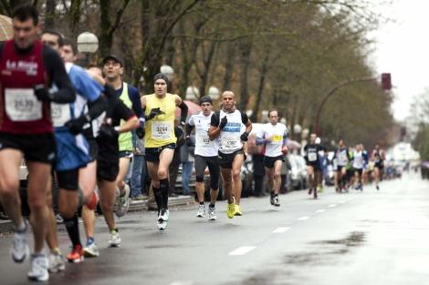 Corredores en el Medio Maratón de Vitoria Gasteiz. | Efe